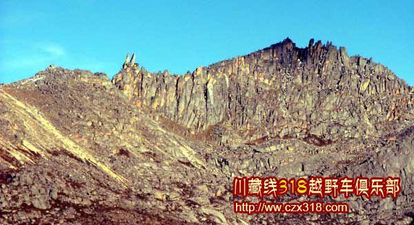 川藏线旅游兔儿山