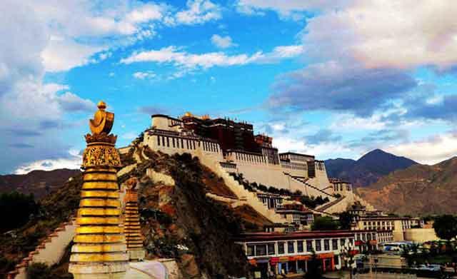 世间上海拔最高的宫殿—布达拉宫