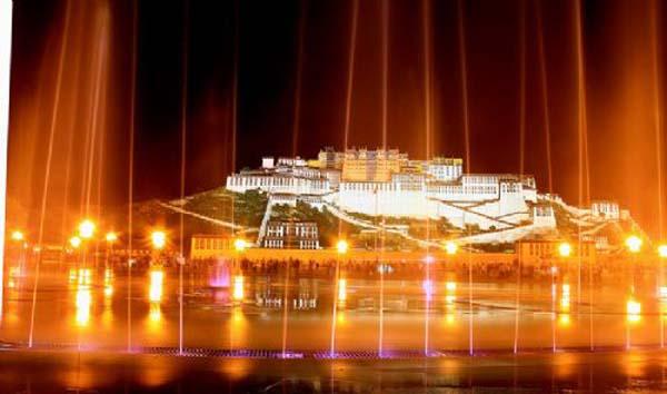 布达拉宫1.jpg