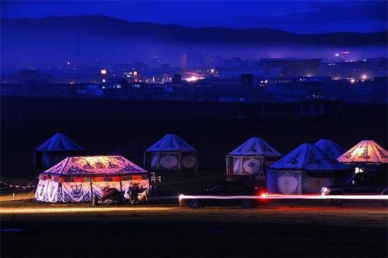 拉萨拼车去成都走川藏北线:天天有车每人1000-3000元